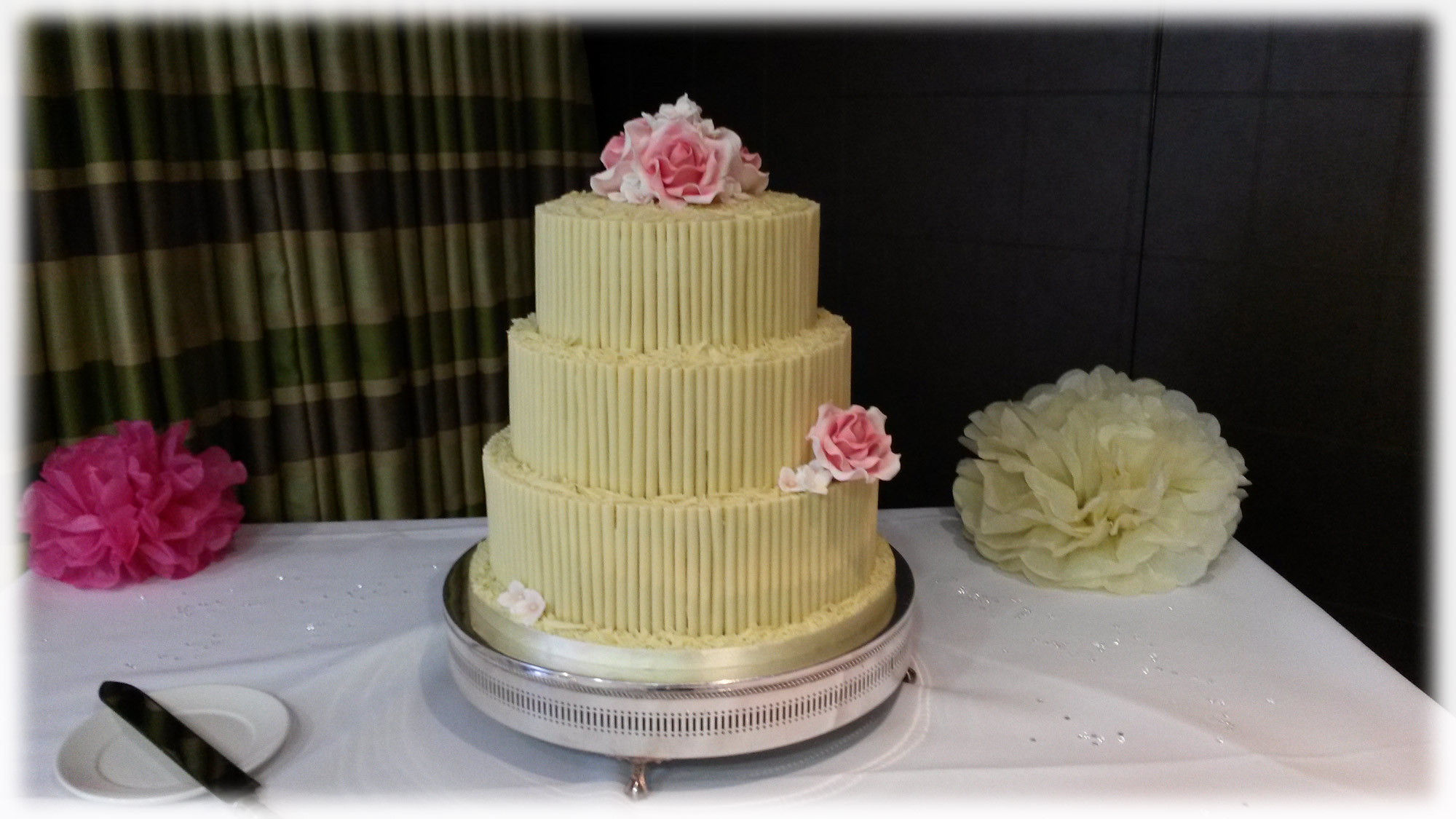 3 tier white chocolate wedding cake recipe white chocolate cigarello wedding cake bakealous 10354