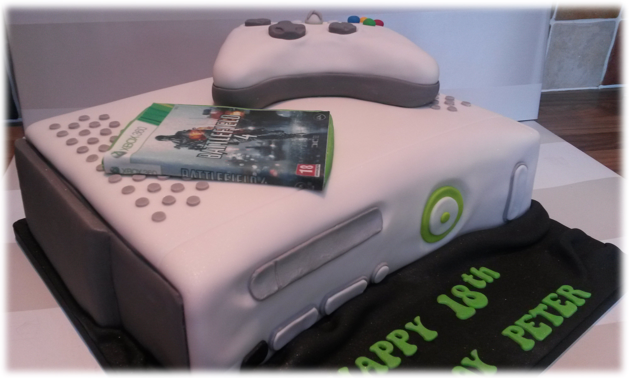 X Box 360 With Battlefield Game Themed 18th Birthday Cake 1
