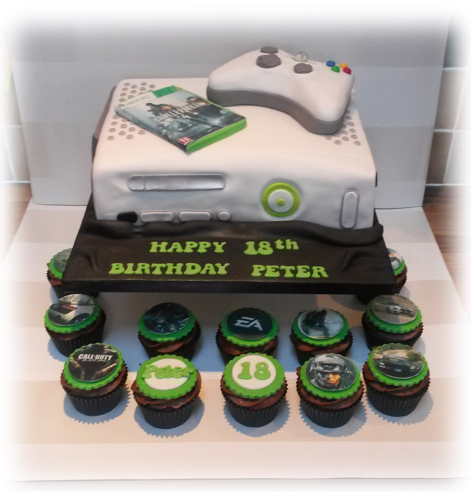 XBOX 360 cake and cupcakes Bakealous