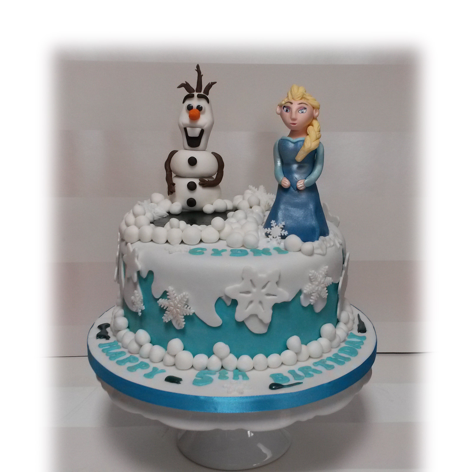 Birthday Cake Ideas Disney Frozen : Disney Frozen (Elsa) Birthday Cake - Bakealous