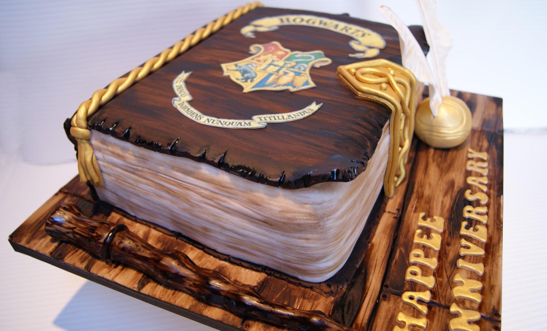 Harry Potter Book Cake : Harry potter book cake bakealous