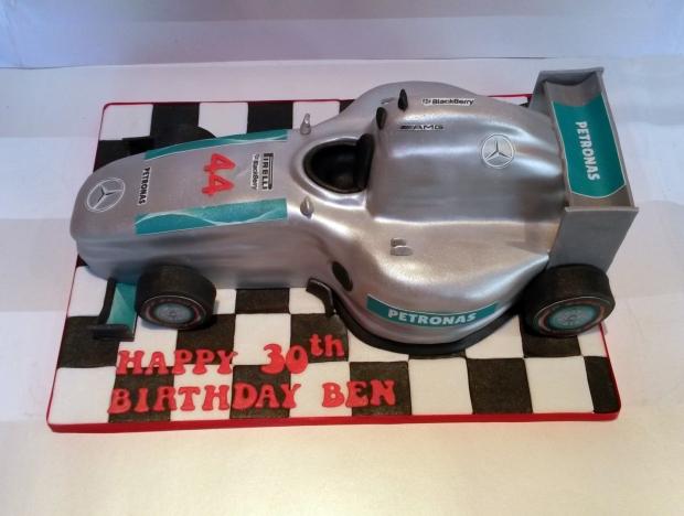 lewis-hamilton-f1-formula-one-car-birthday-cake (2) (Large)