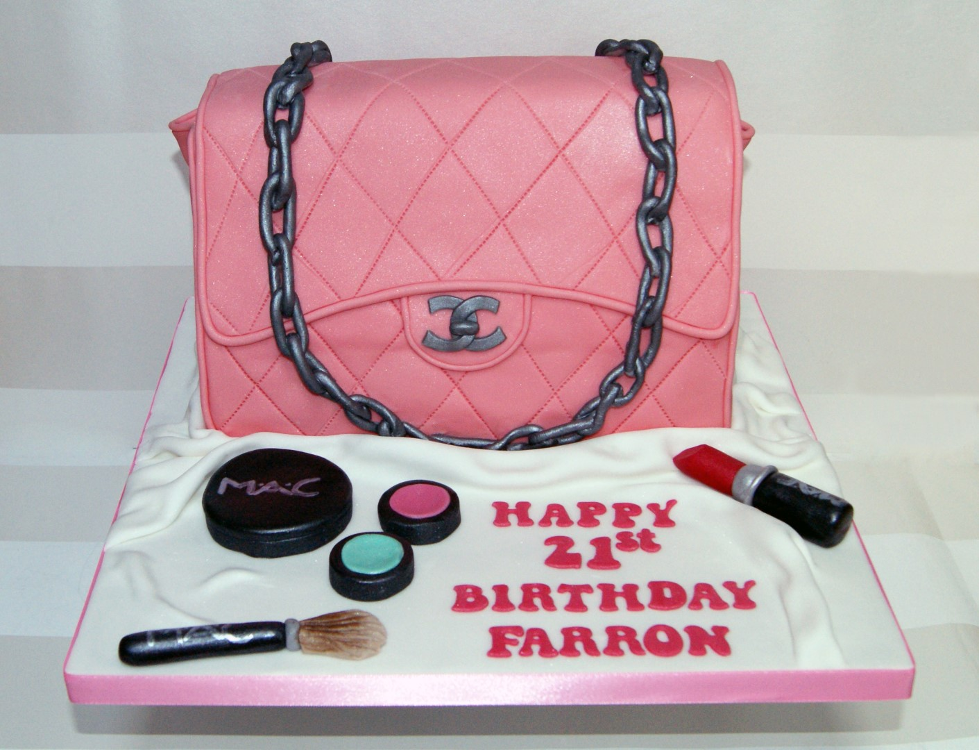 Pink Chanel Handbag Cake View Gallery Read Post
