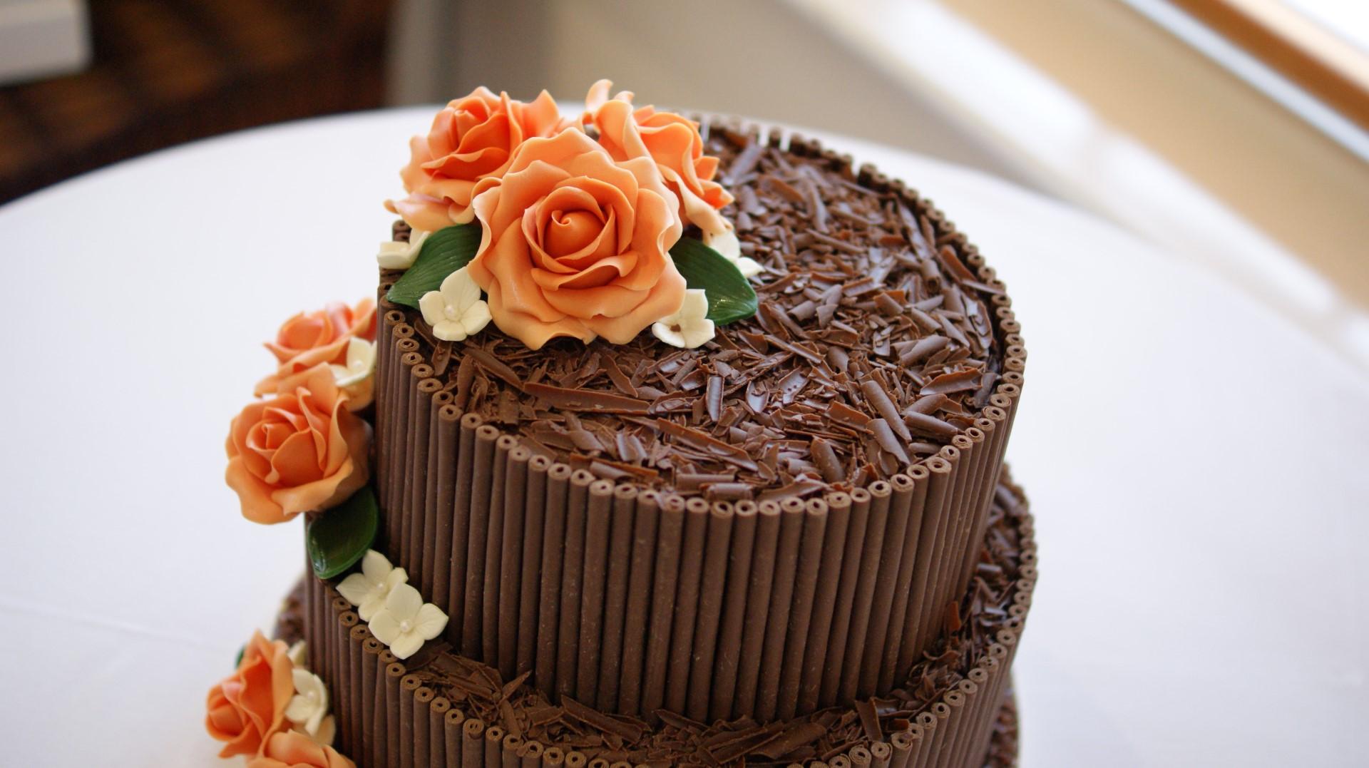 Beautiful Bespoke Wedding Cakes Hertfordshire