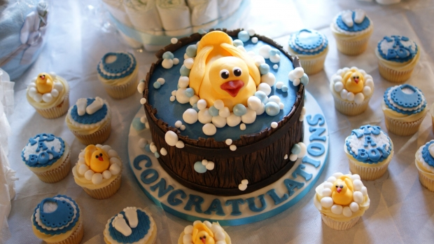 baby-shower-cake-and-cupcakes (5)