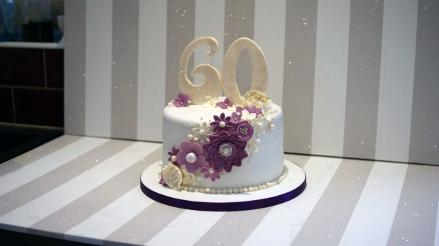 diamond-wedding-anniversary-cake (7)