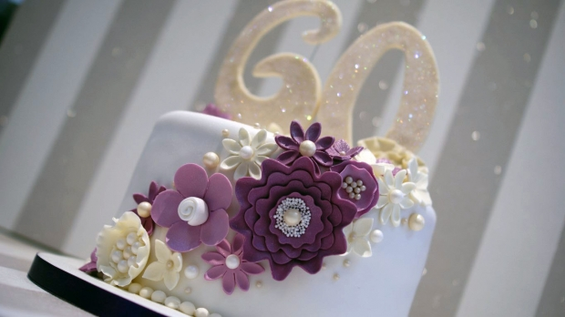 diamond-wedding-anniversary-cake (9)