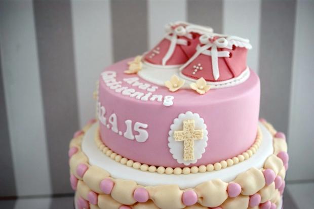 Bootie-Christening-cake (1)