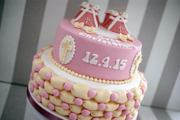 Bootie-Christening-cake (2)
