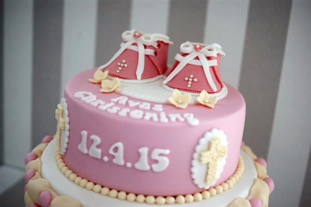 Bootie-Christening-cake (3)