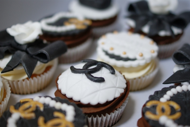 chanel-handbag-cupcakes (2)