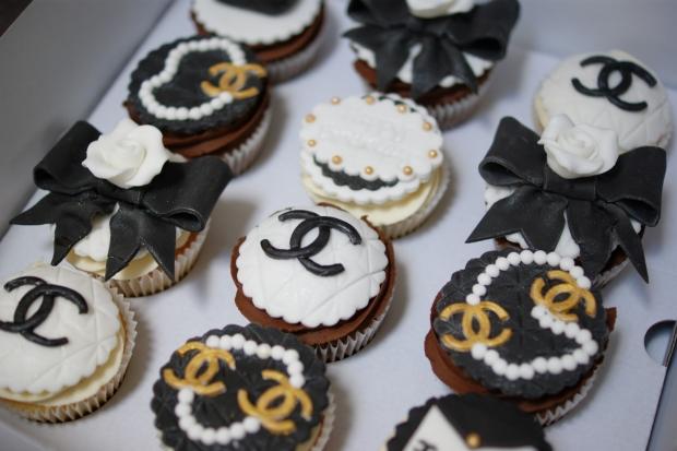 chanel-handbag-cupcakes (3)