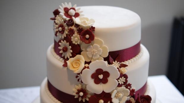 disney-3-tier-wedding-cake-draped-floral-design (10)
