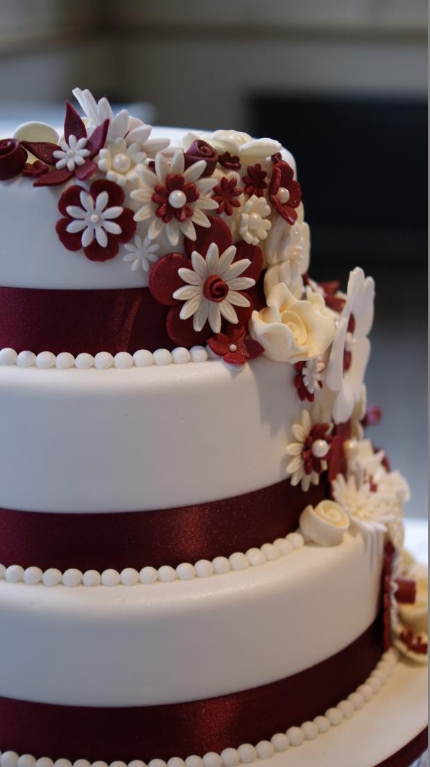 disney-3-tier-wedding-cake-draped-floral-design (11)