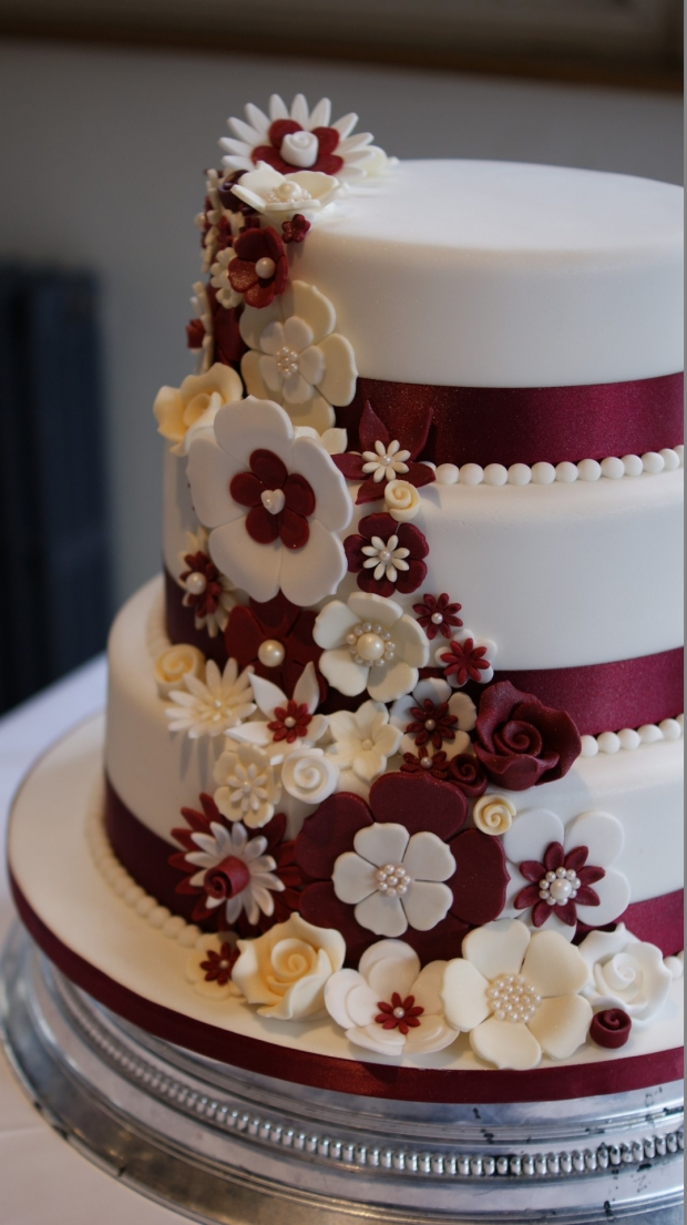disney-3-tier-wedding-cake-draped-floral-design (12)