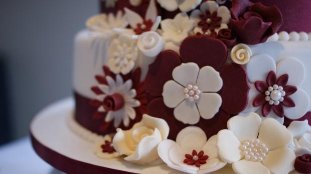 disney-3-tier-wedding-cake-draped-floral-design (13)