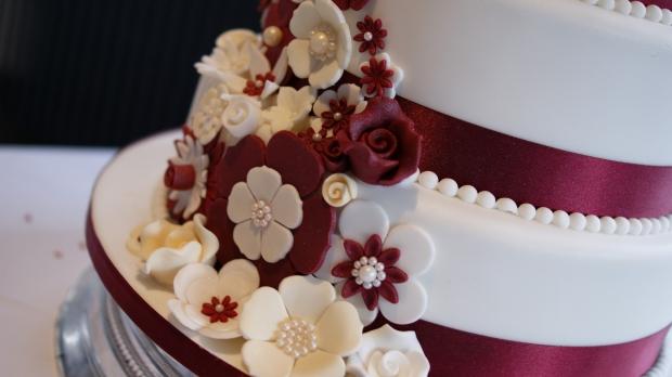 disney-3-tier-wedding-cake-draped-floral-design (14)