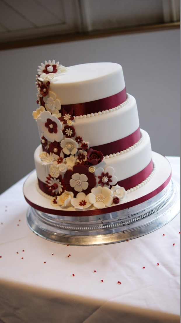 disney-3-tier-wedding-cake-draped-floral-design (15)