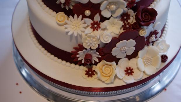 disney-3-tier-wedding-cake-draped-floral-design (17)