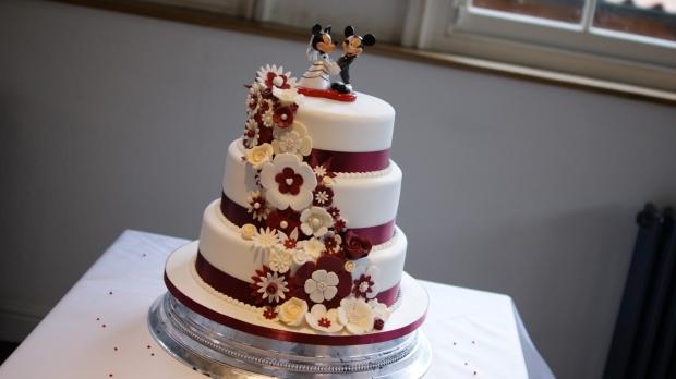 disney-3-tier-wedding-cake-draped-floral-design (19)