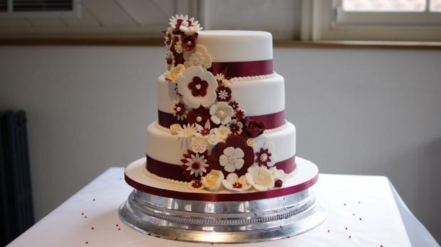 disney-3-tier-wedding-cake-draped-floral-design (4)