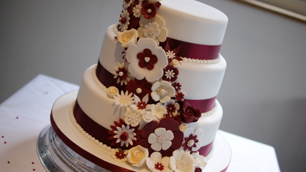 disney-3-tier-wedding-cake-draped-floral-design (5)