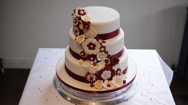 disney-3-tier-wedding-cake-draped-floral-design (6)
