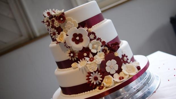disney-3-tier-wedding-cake-draped-floral-design (8)