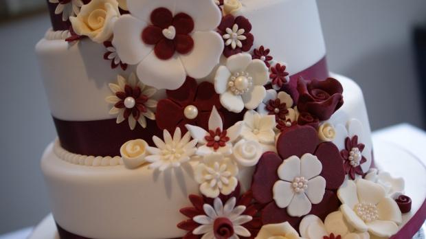 disney-3-tier-wedding-cake-draped-floral-design (9)