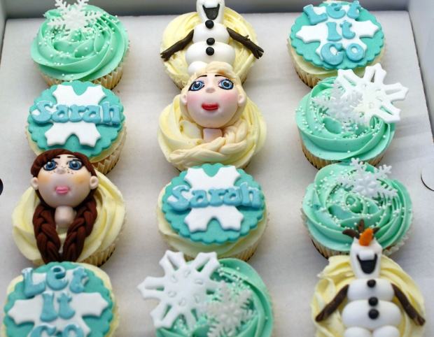 disneys-frozen-cupcakes-elsa-anna-olaf-cupcakes (7)