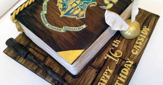 harry-potter-themed-book-16th-birthday-cake-1 (Large)