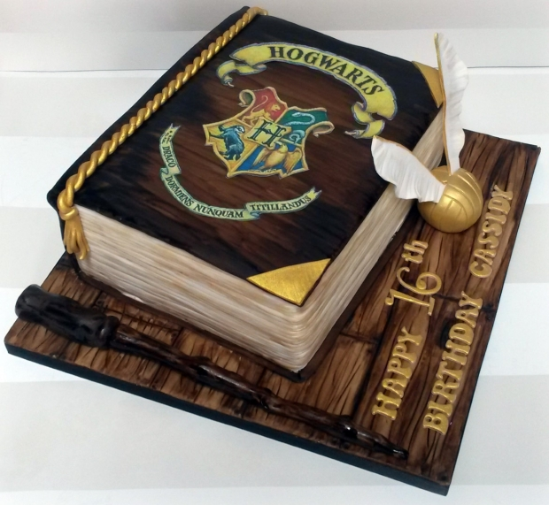 Harry Potter Book Cake ~ Harry potter book cake bakealous