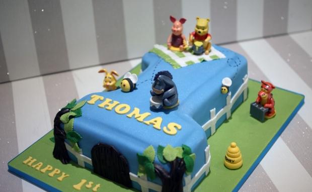 winnie-the-pooh-number-one-birthday-cake (8)