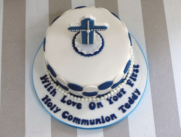 holy-communion-cake-and-cupcakes (6)