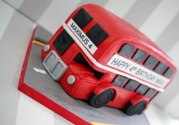 london-bus-cake-4th-birthday (4)
