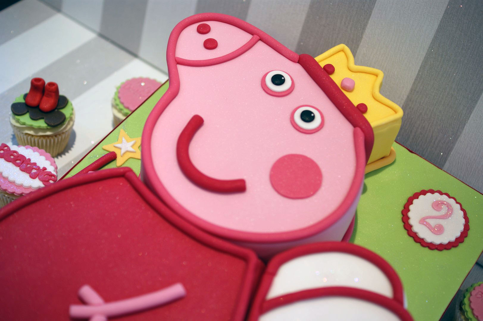 Peppa Pig Birthday Cakes For Girls