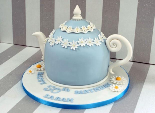 vintage-tea-pot-50th-birthday-cake-and-cupcakes (15)