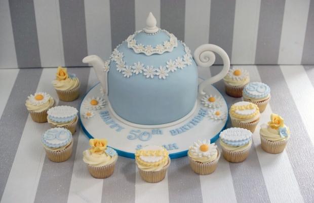 vintage-tea-pot-50th-birthday-cake-and-cupcakes (2)