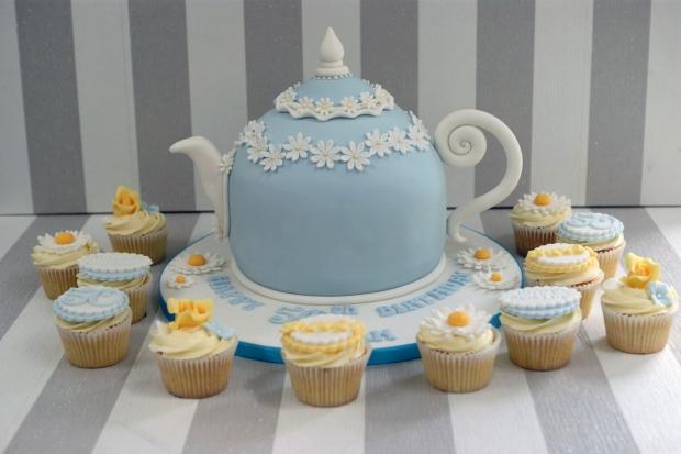 vintage-tea-pot-50th-birthday-cake-and-cupcakes (3)