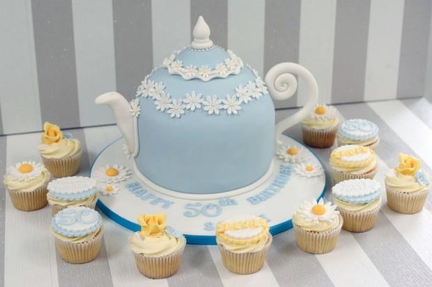 vintage-tea-pot-50th-birthday-cake-and-cupcakes (6)