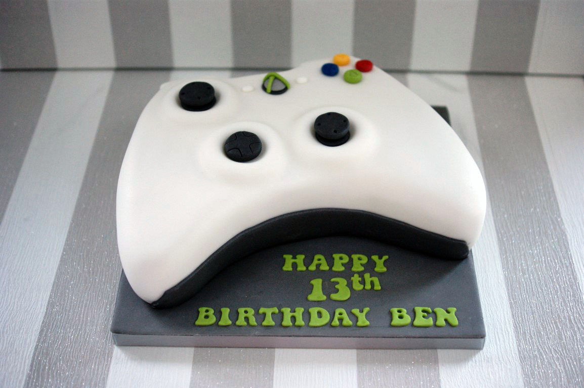 X Box Controller Birthday Cake 1