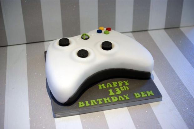 X Box Controller Birthday Cake 2