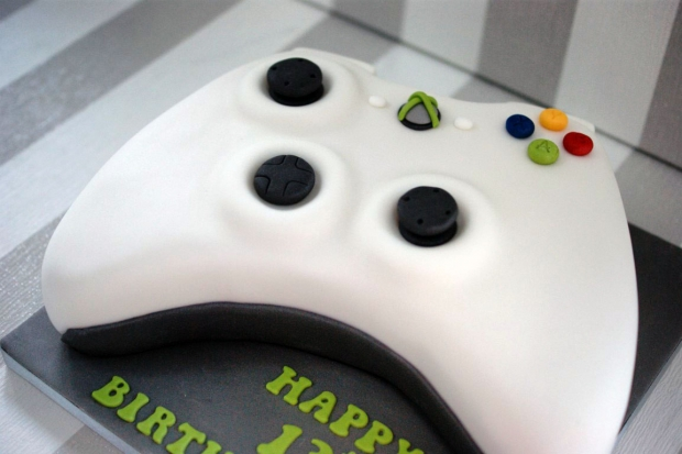 x-box-controller-birthday-cake (3)