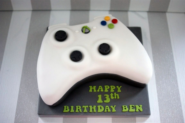 x-box-controller-birthday-cake (4)