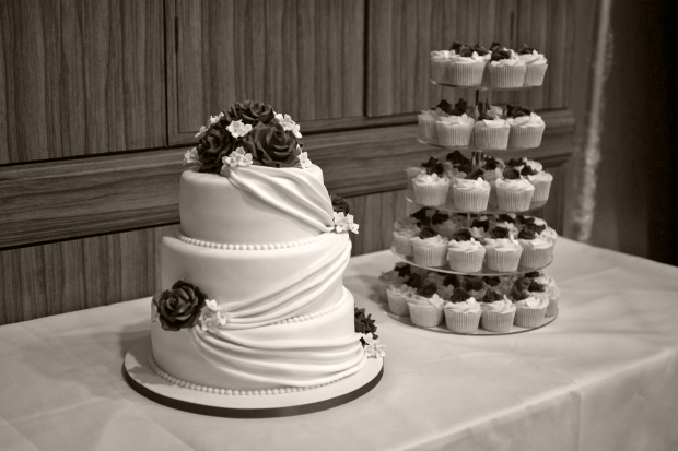 3-tier-wedding-cake-drapes-and-roses-with-cupcake-tower (3)