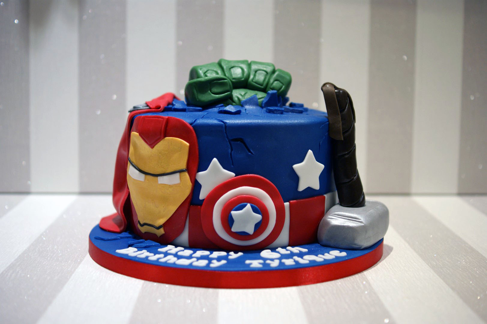 birthday cakes avengers birthday cake posted 2 years ago by louise ...