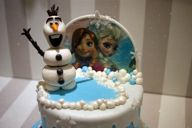 disney-frozen-olaf-elsa-ana-birthday-cake (2)
