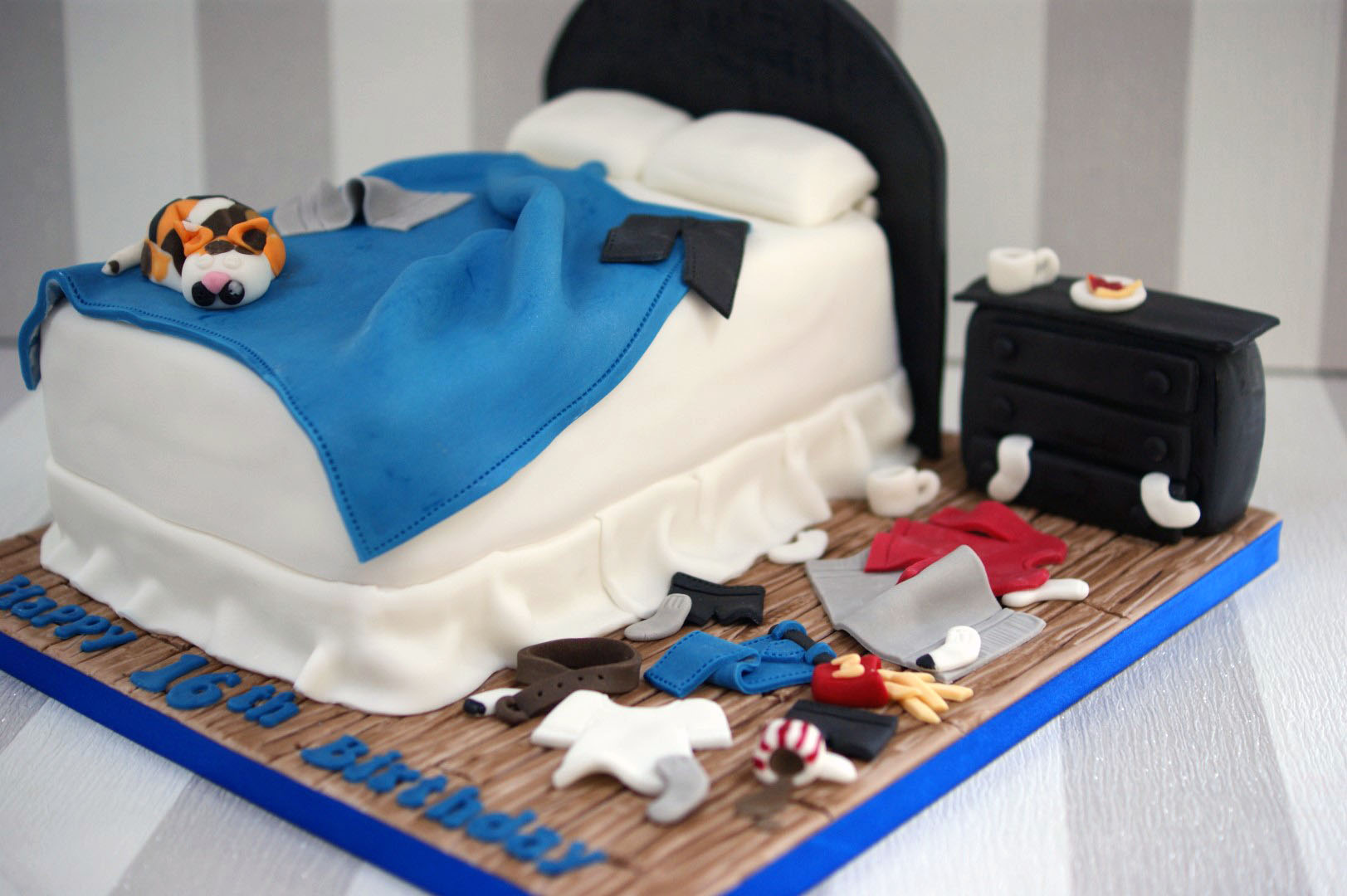 Messy Bedroom Cake Bakealous