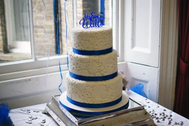 royal-blue-flower-stamp-3-tier-wedding-cake (1)