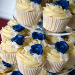 royal-blue-flower-stamp-3-tier-wedding-cake (3)